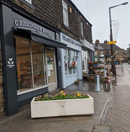 Local shops in Mapplewell