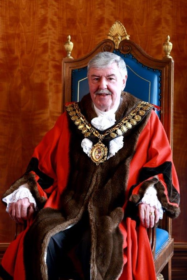 mayor-of-barnsley-cllr-jeff-ennis.jpg